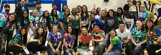 link crew students in tie dye